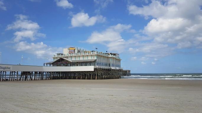 joe's crab shack on the pier